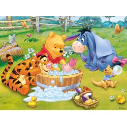 Puzzle 30 el. Kąpiel Prosiaczka - Kubuś Puchatek